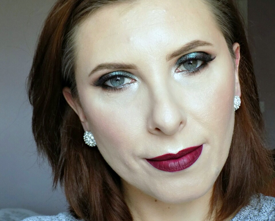 New Year's Eve party smokey eyes with dark lips