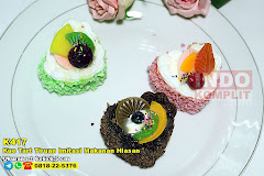 Kue Tart Tiruan Imitasi Makanan Hiasan