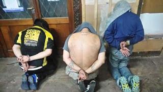 """Ocurrió en el marco de un megaoperativo de 27 allanamientos en Santa Fe y Misiones. En total hubo 15 detenidos, entre ellos el dirigente del PJ y otro vinculado a la peligrosa banda """"Los Monos"""""""