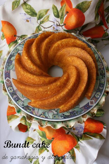 Bundt cake de zanahoria y almendra sin grasa, bizcocho de zanahoria sin grasa
