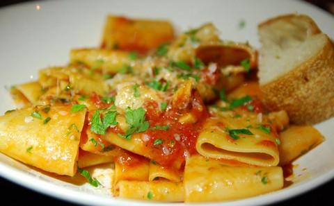 Cheesy Paccheri pasta platter