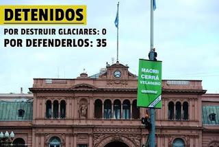 Fuimos hasta la Casa Rosada para reclamarle al Presidente Mauricio Macri que cierre la mina Veladero, que ya derramó más de 1 MILLÓN de litros de solución cianurada en San Juan y que viola la Ley de Glaciares.
