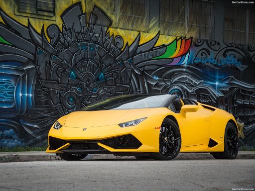 Lamborghini 8000 unit Huracan Spyder