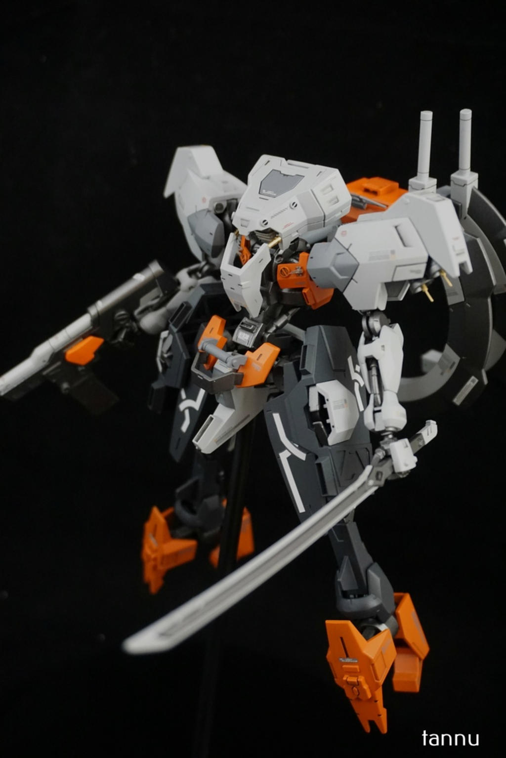 Custom Build: HG 1/144 Hugo [Detailed]