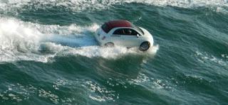 Pływające samochody - akcja reklamowa Fiata (fot. Krzysztof Janik)