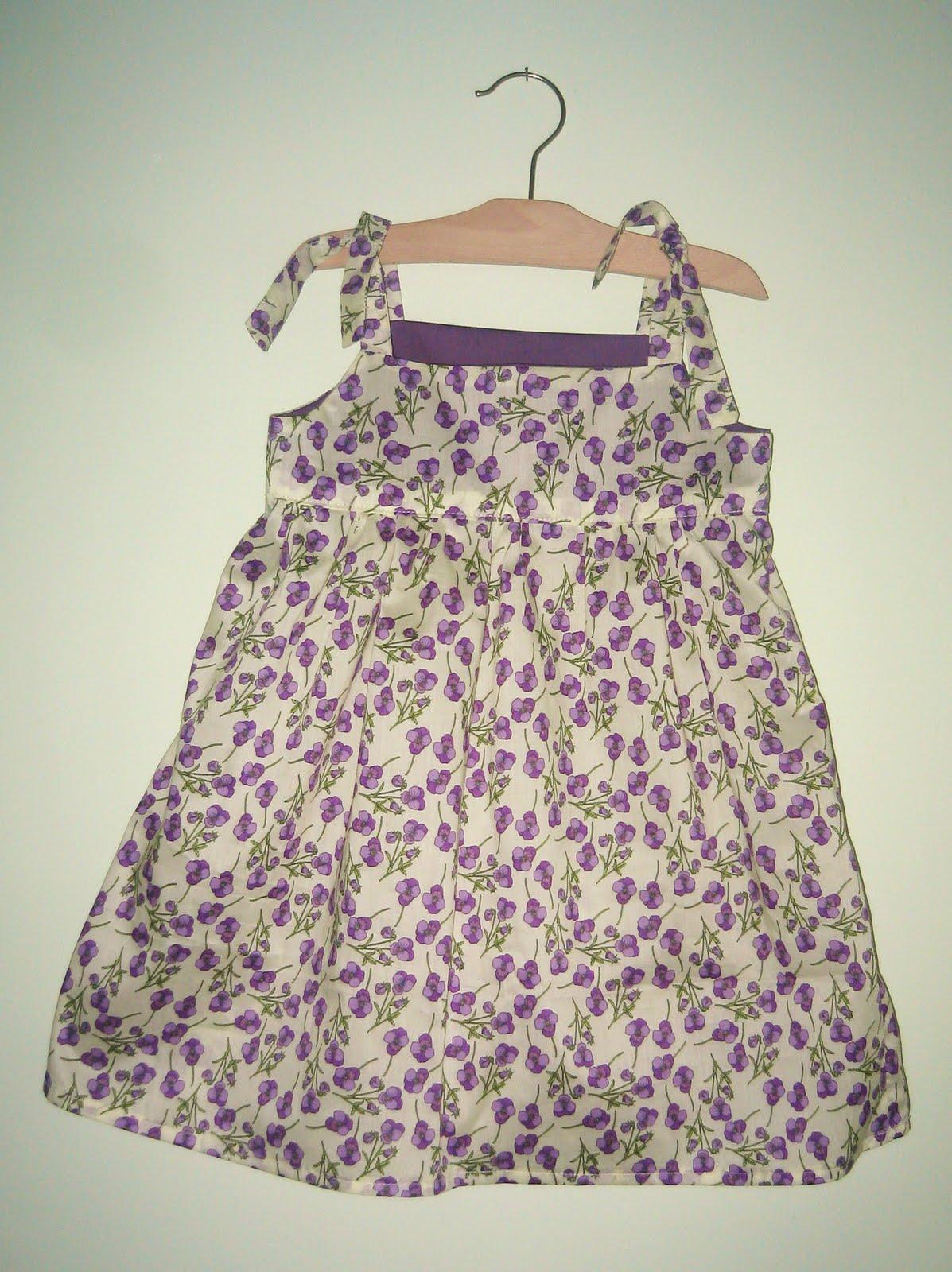 low priced 42ad4 af2a7 La sciarpa che canta: Cartamodello Vestito bimba per l'estate