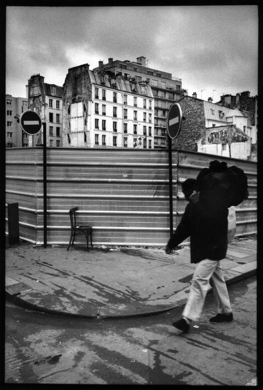 chaise immigré africain rue de l'Orillon belleville paris franck chevalier paris