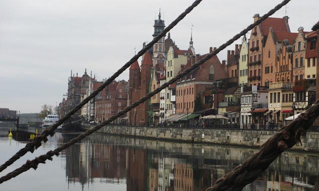 Kaupunkinäkymiä Gdanskista
