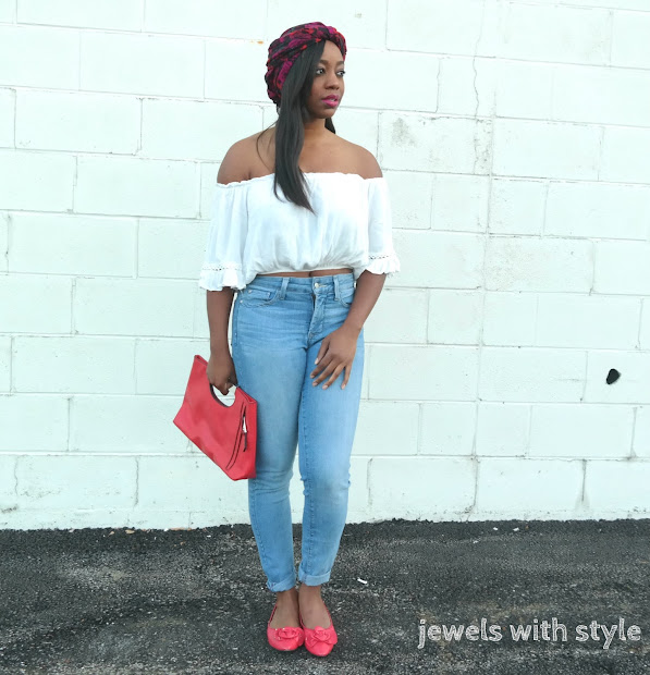how to wear a turban, alicia keys turban, alicia keys headwrap,how to wear a headwrap, off the shoulder shirt outfit ideas,white off the shoulder shirt, flats and jeans outfit, casual off the shoulder outfit, jewels with style, columbus personal stylist, columbus wardrobe stylist, columbus blogger, columbus style blogger, columbus fashion advice, red clutch purse, high waist jeans, how to wear high waist jeans, red bow flats, black fashion blogge