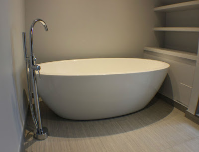 Toronto Standalone Tub Renovation
