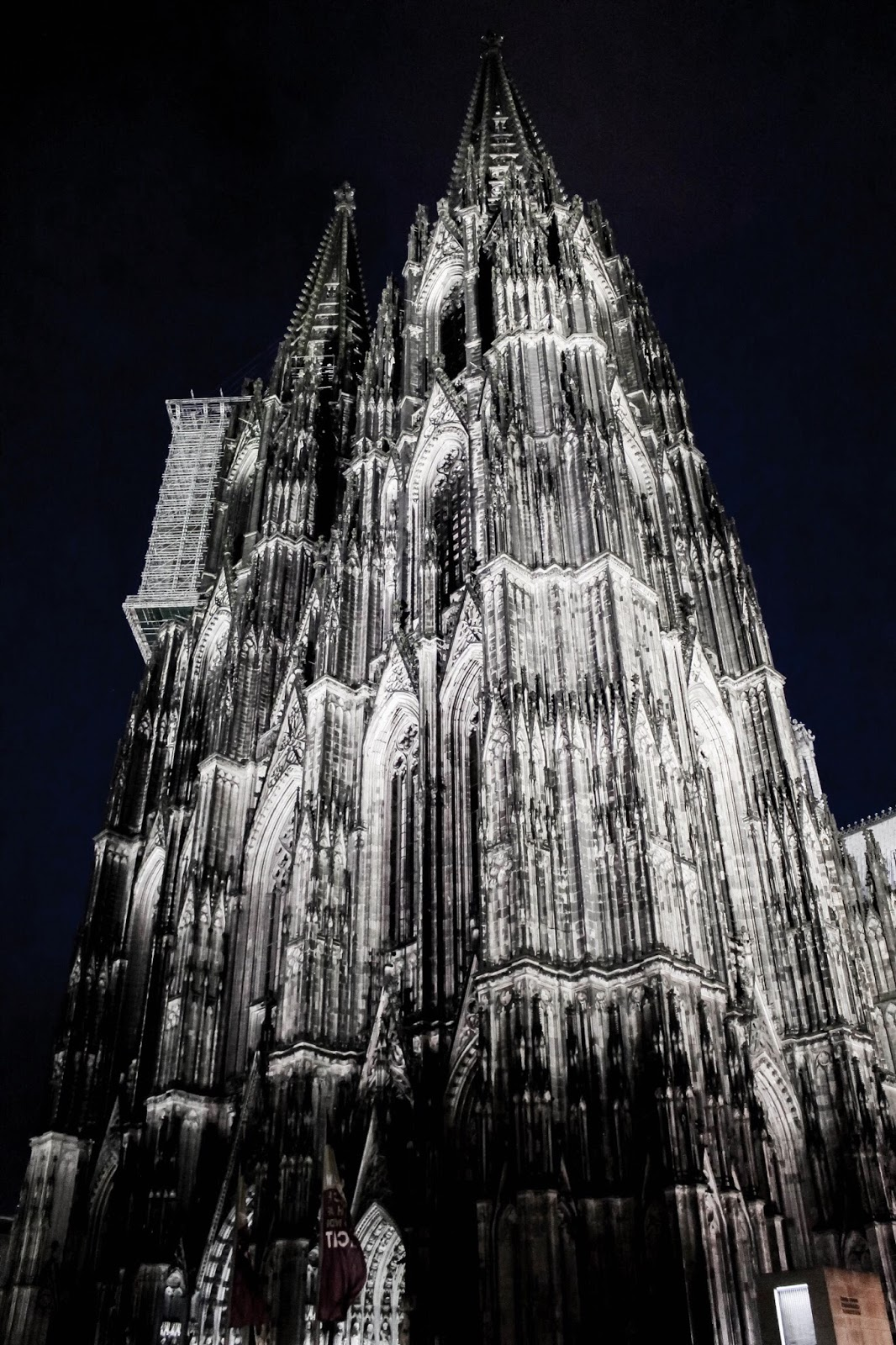 Dom Cathedral Architecture Illuminated by Night