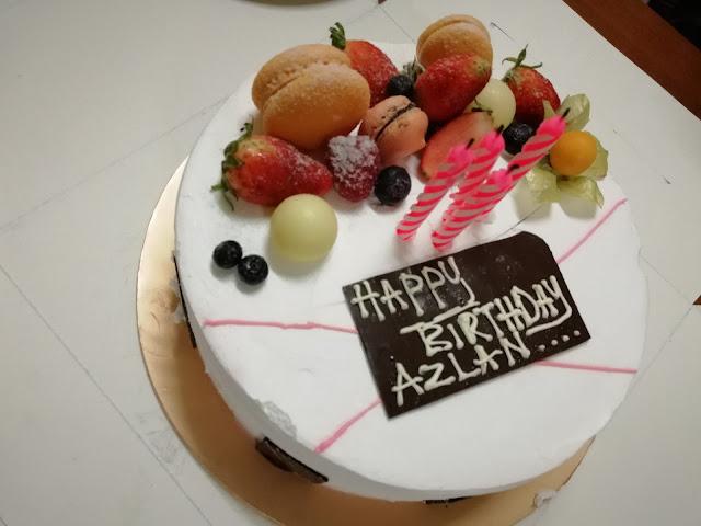 Kek Birthday Untuk Pak Long dari Grand BlueWave Hotel Shah Alam