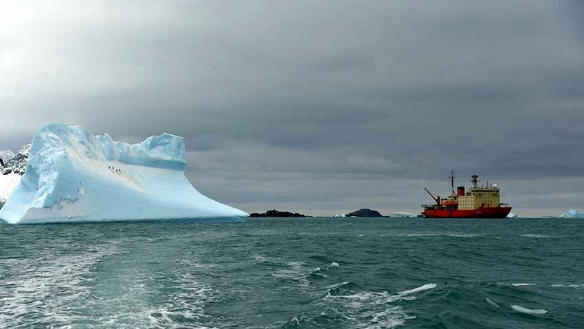 El rompehielos Almirante Irízar afrontó última etapa de la Campaña Antártica en la base Marambio