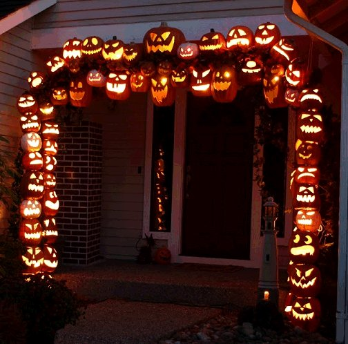 Dishfunctional Designs: Awesome Halloween Home Decorating