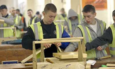 the need for experience in the past and the consequences of worker shortage The myth of the coming labor shortage  high-school educated man with less than five years of work experience earned 18 percent less in wages in 1987 than in 1979.