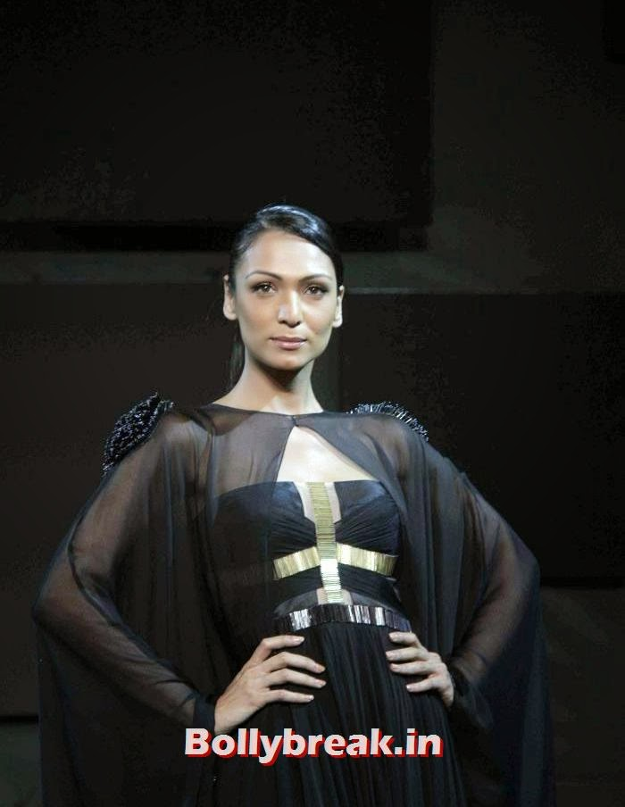Shamita Singha, Gavin Miguel Show at Blenders Pride Fashion Tour 2013