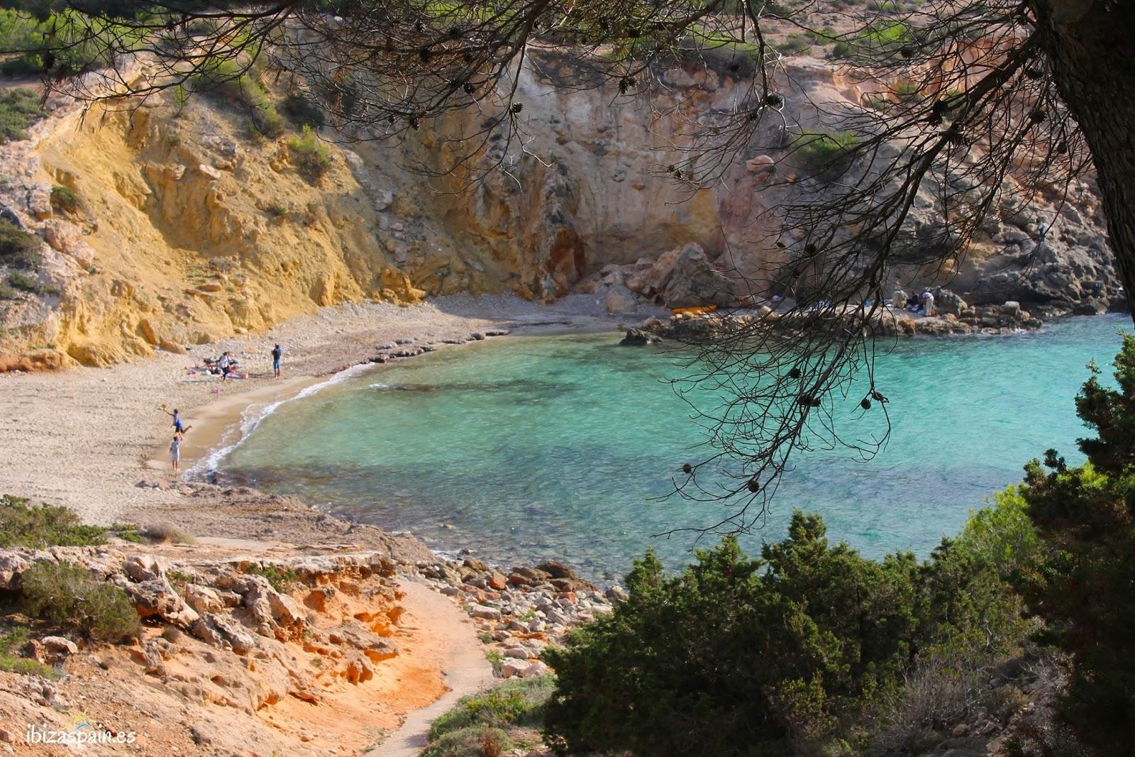 Cala Codolar, una cala poco conocida al noroeste de Sant Josep