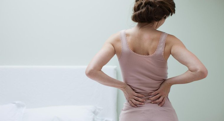 ¿Puede el dolor de espalda causar náuseas?