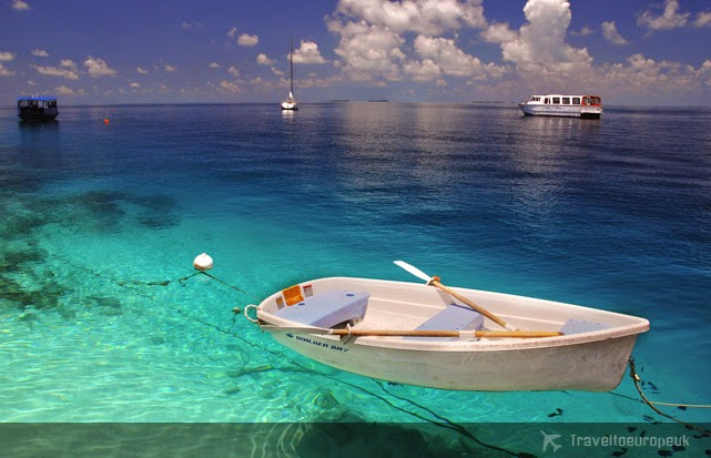 maldives-crystal-clear-water-beaches