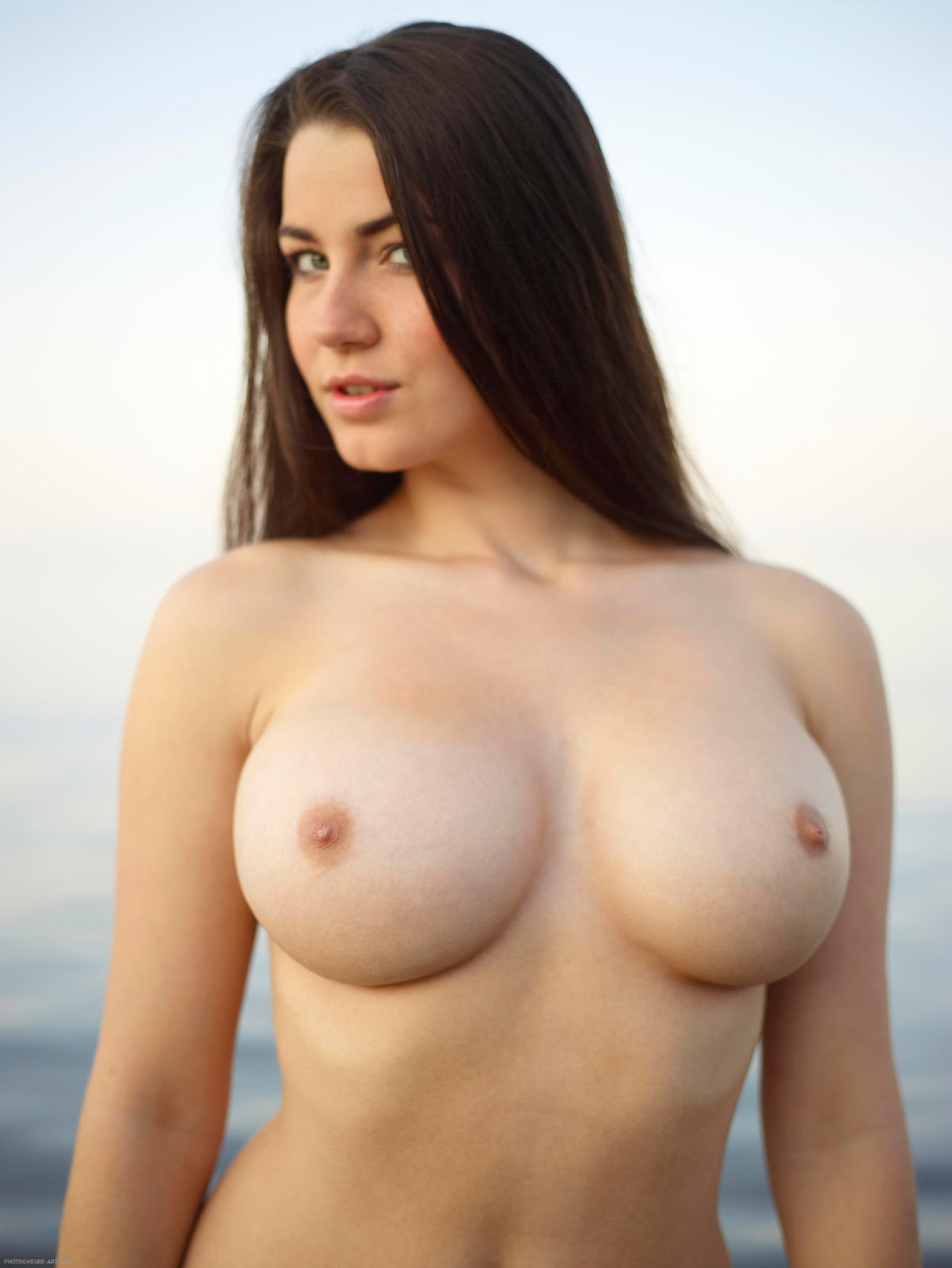 squirt-breasts-naked-white