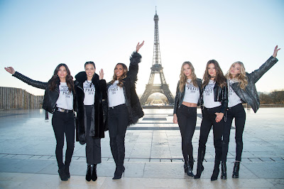 Victoria's Secret Angeles in Front of the Eiffel Tower: Part One of a Million-Photo Series. Photo: Dimitrios Kambouris/Getty Images