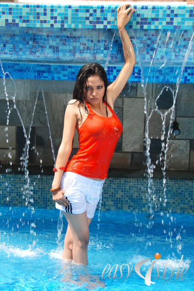 News Check Out Indira Joshi Latest Hot Collection