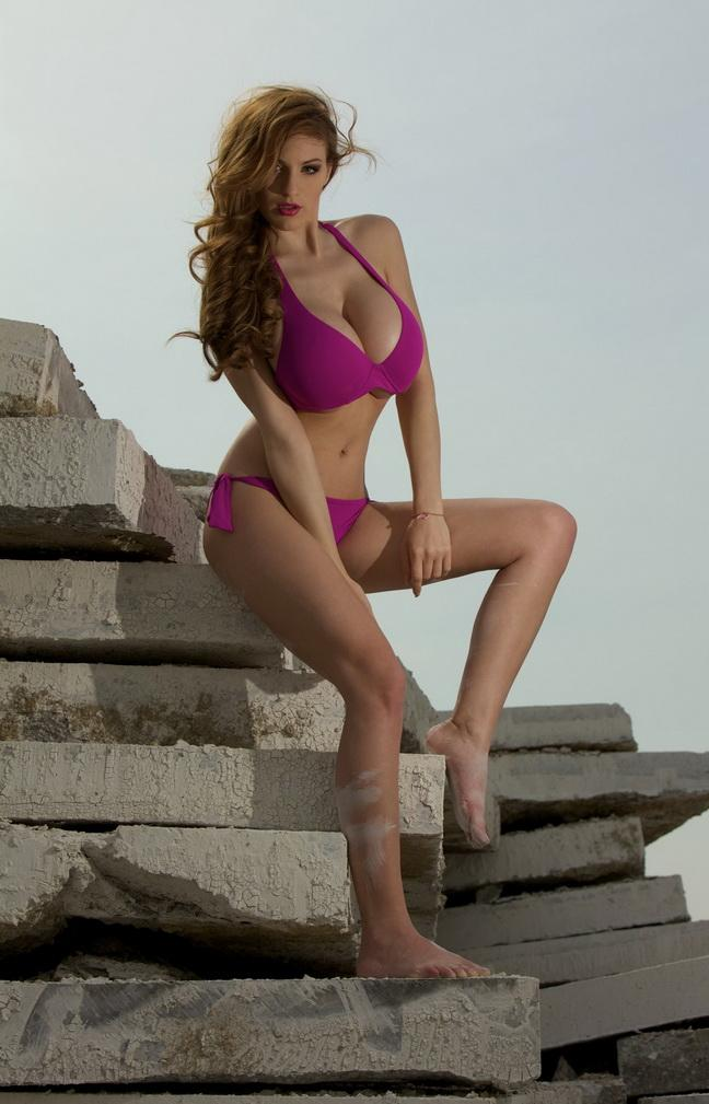 All Entertainment Blog Jordan Carver Trying To Remove Her -5459