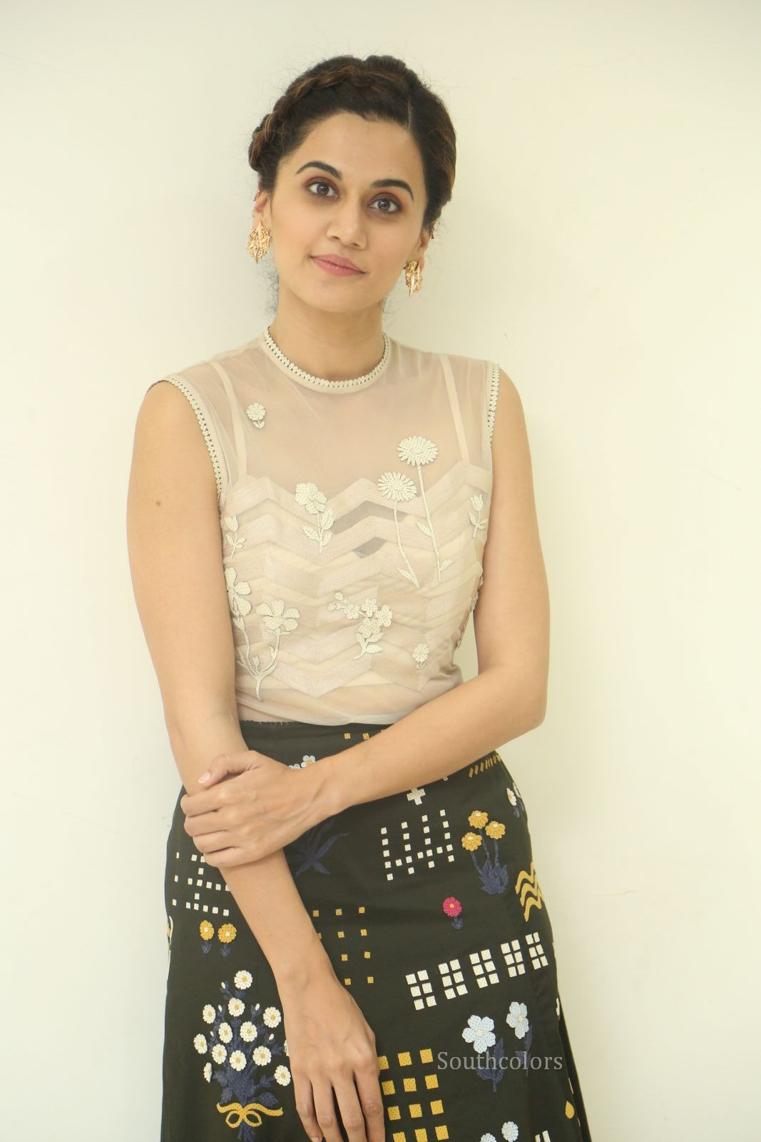 taapsee pannu stills at anando brahma trailer launch southcolors%2B%25287%2529