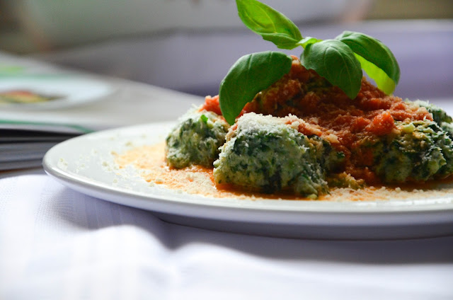 Gnocchi z ricottą, parmezanem i szpinakiem
