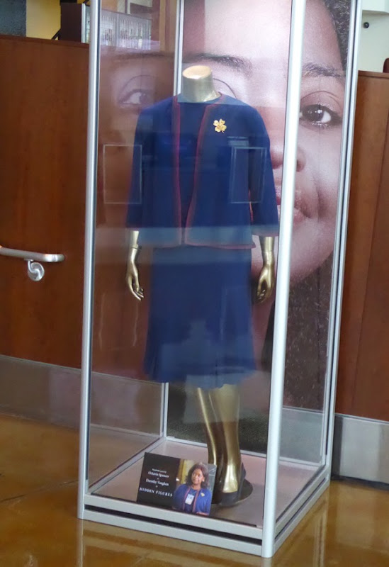 Octavia Spencer Hidden Figures Dorothy Vaughan film costume