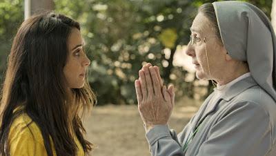 María (Macarena García) y Sor Bernarda (Gracia Olayo)