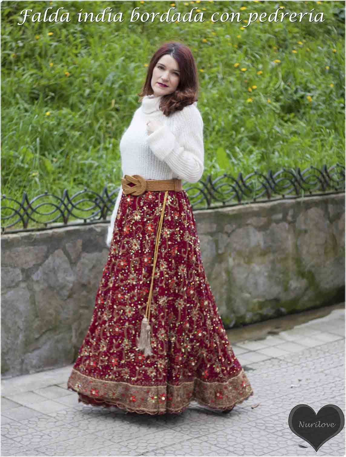 falda india bordada con pedrería que usan en India las novias como traje de novia