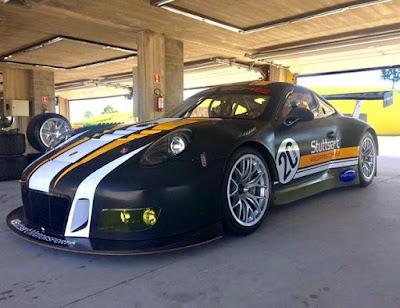 55ad172281b2e ... a Stuttgart Motorsportestá de volta ao automobilismo brasileiro com um  dos carros de corrida mais modernos do mundo  o Porsche 911 GT3 R.
