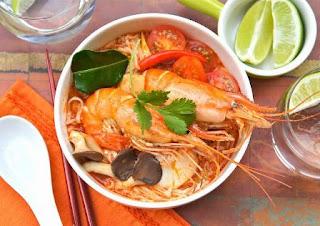 Makanan Tom Yam Noodles