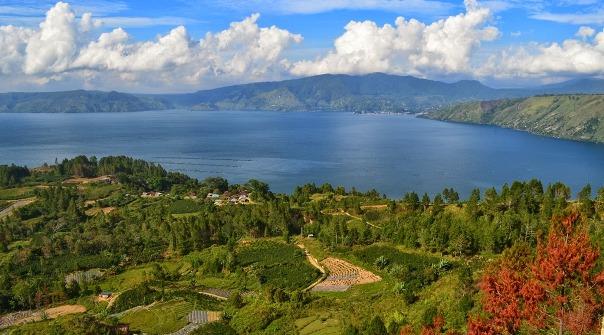 Danau Paling Indah di Indonesia Yang Wajib Dikunjungi
