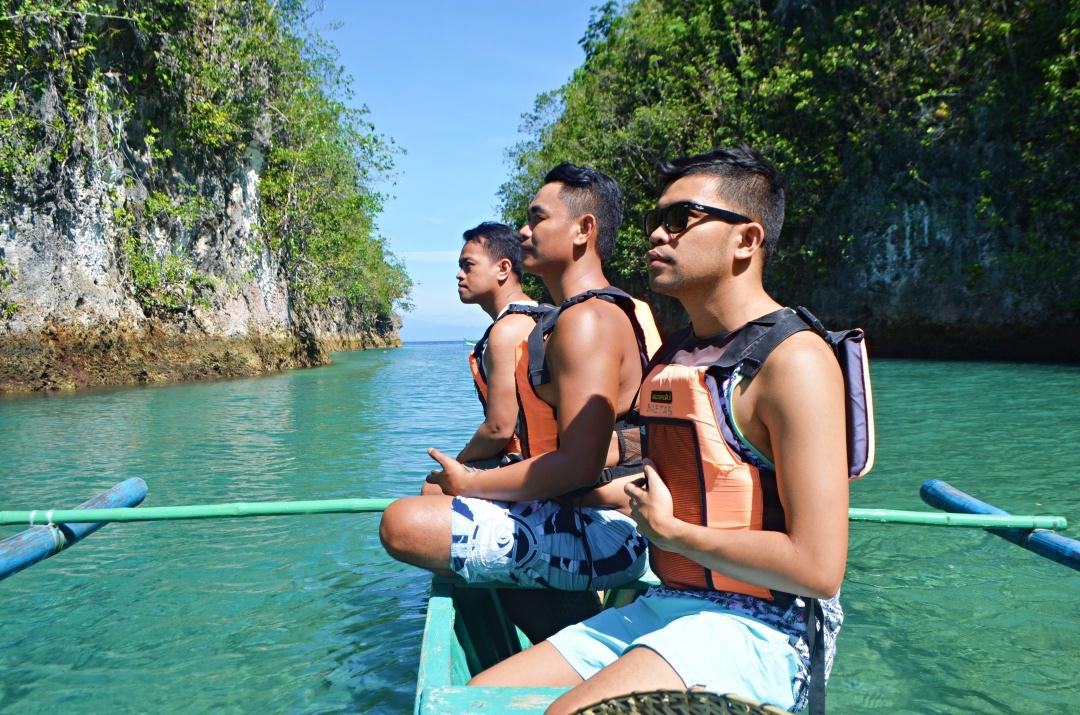 cebu-male-fashion-blogger-almostablogger-bojo-river5.jpg