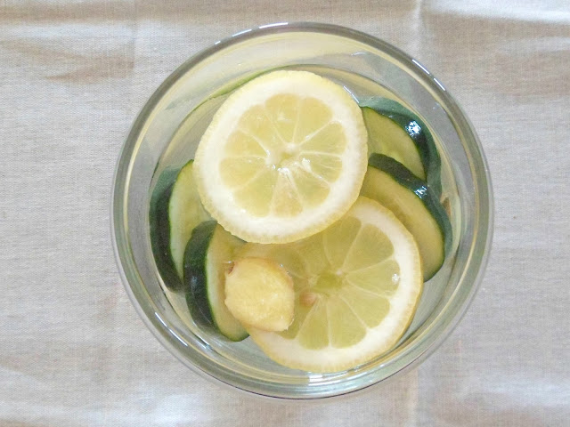água com aromas