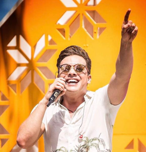 Wesley Safadão aparece de cabelo curto em show em Miami: 'Nova etapa'