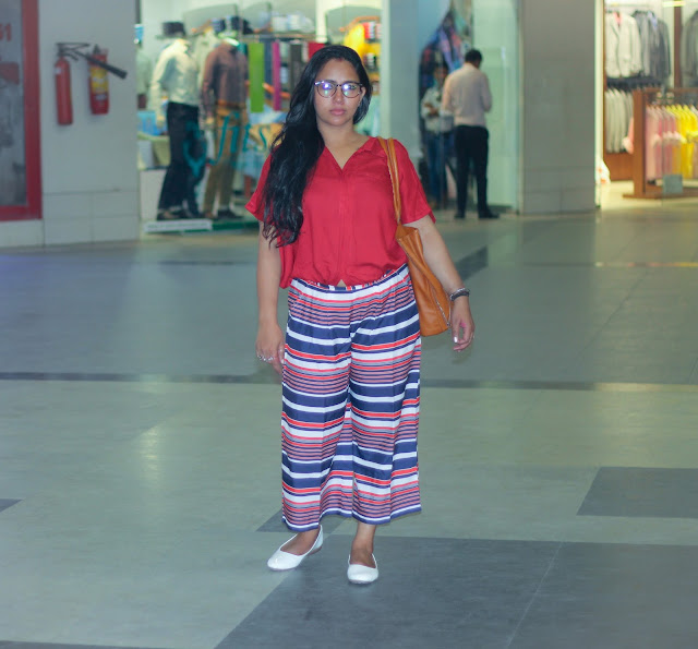 kOOVS pALAZZOS AND hAUTE cURRY bOXY rED sHIRT