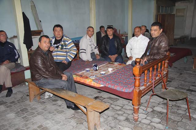 Ouzbékistan, Kokand, bazar Jahon, chaïkhana, tapchane, tapshan, © L. Gigout, 2012