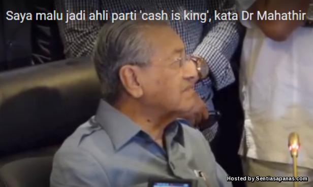 Tun Mahathir keluar umno