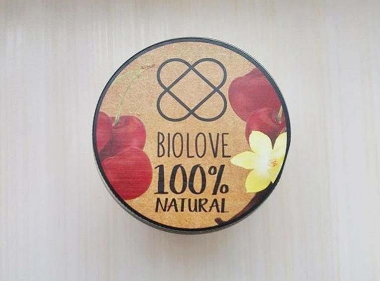 Peeling do ciała Biolove o zapachu wiśniowo-waniliowym