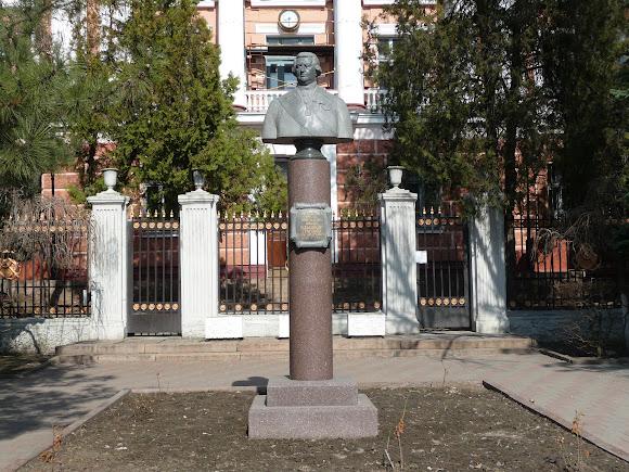 Николаев. Адмиралтейство. Памятник Григорию Потёмкину