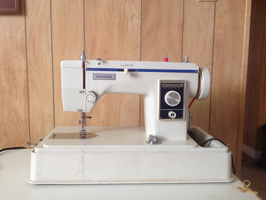 Look At What I Found... Vintage Viking 537 Sewing Machine With A Mystery Attached