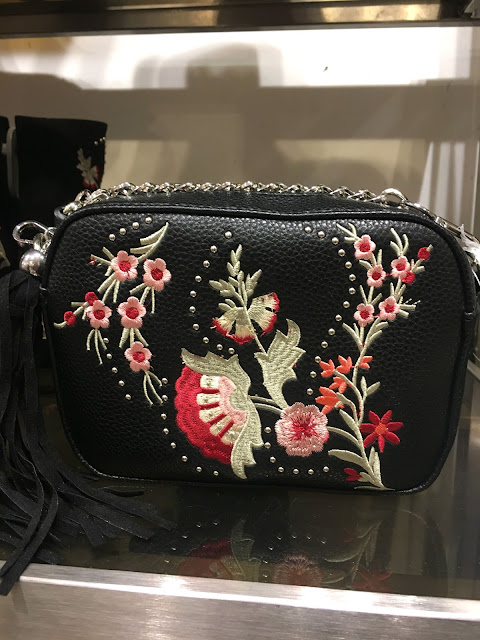 Teacups_and_Buttondrops_Embroidered_Bag
