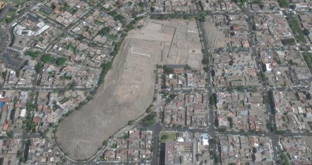 Vista aerea de Huaca Pucllana en Lima