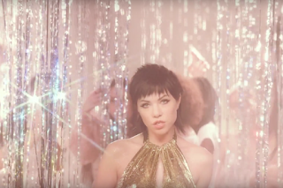 """Carly Rae Jepsen's """"Boy Problems"""" Video Unleashed!"""
