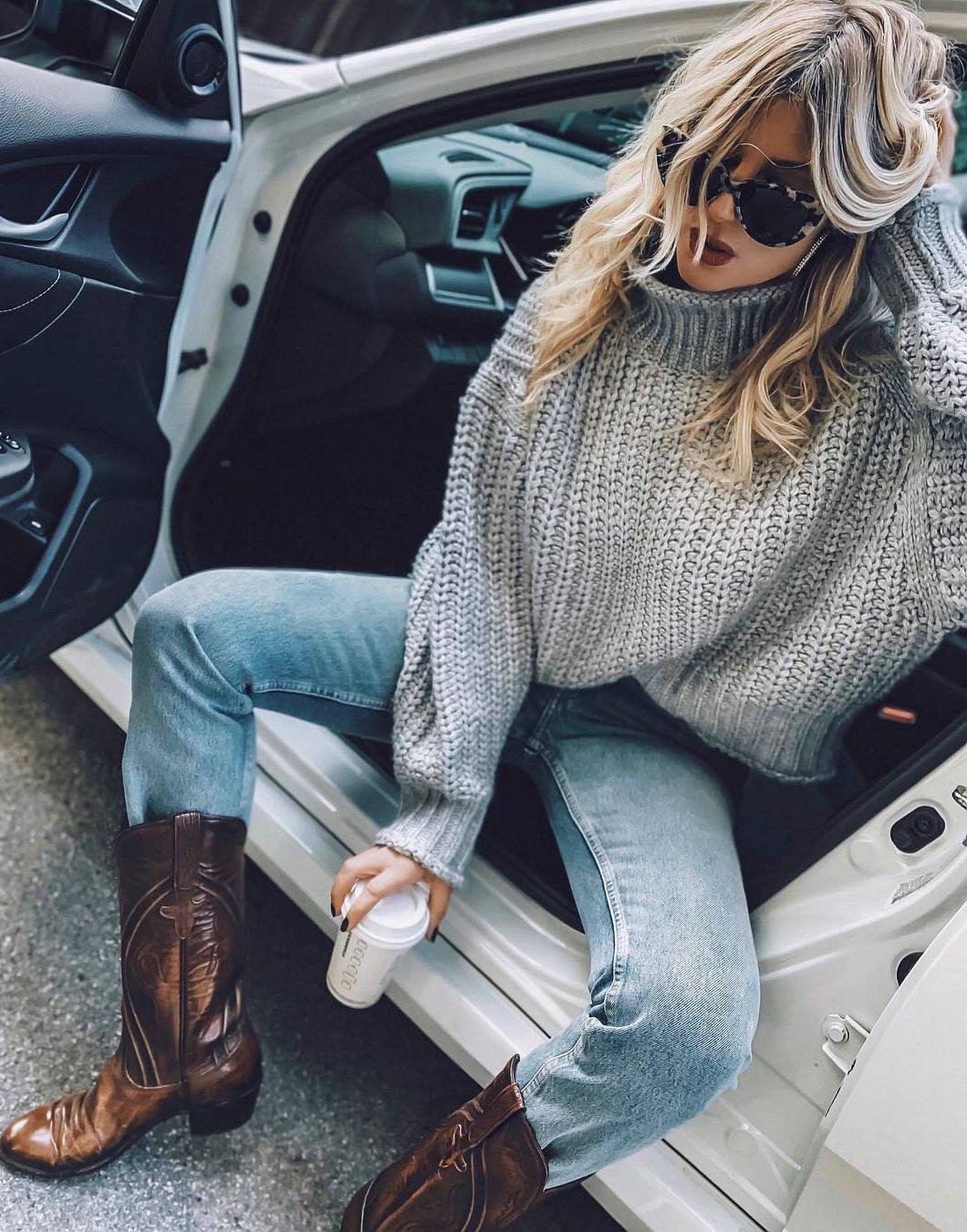 fall outfit of the day_knit sweater + jeans + western boots