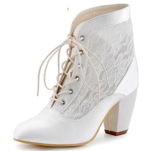 bota branca com renda de noiva