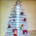 http://elrefugiodelirtea.blogspot.com.es/2015/12/arbol-de-navidad-con-ramas-de-cerezo.html